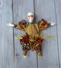 Кукла в венецианском стиле.