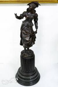 Скульптура «Фрейлина Королевы», Франция, XIX в.