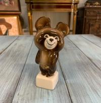 Фарфоровая фигурка «Олимпийский мишка», глазурь, золочение, Вербилки,высота 13см